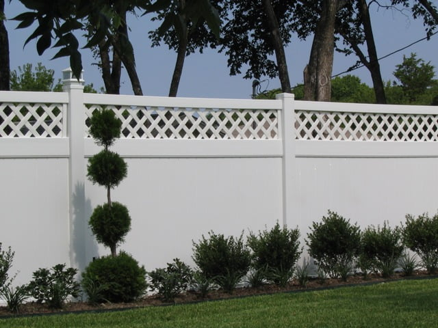 Fencing contractor in Dallas