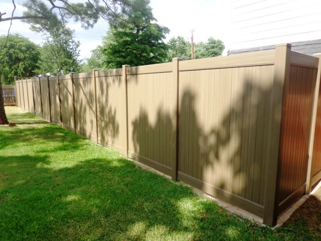 Should I Build a New Fence Before I Sell My House?
