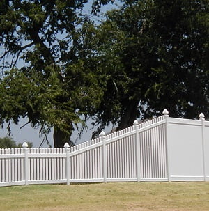 picket vinyl fencing