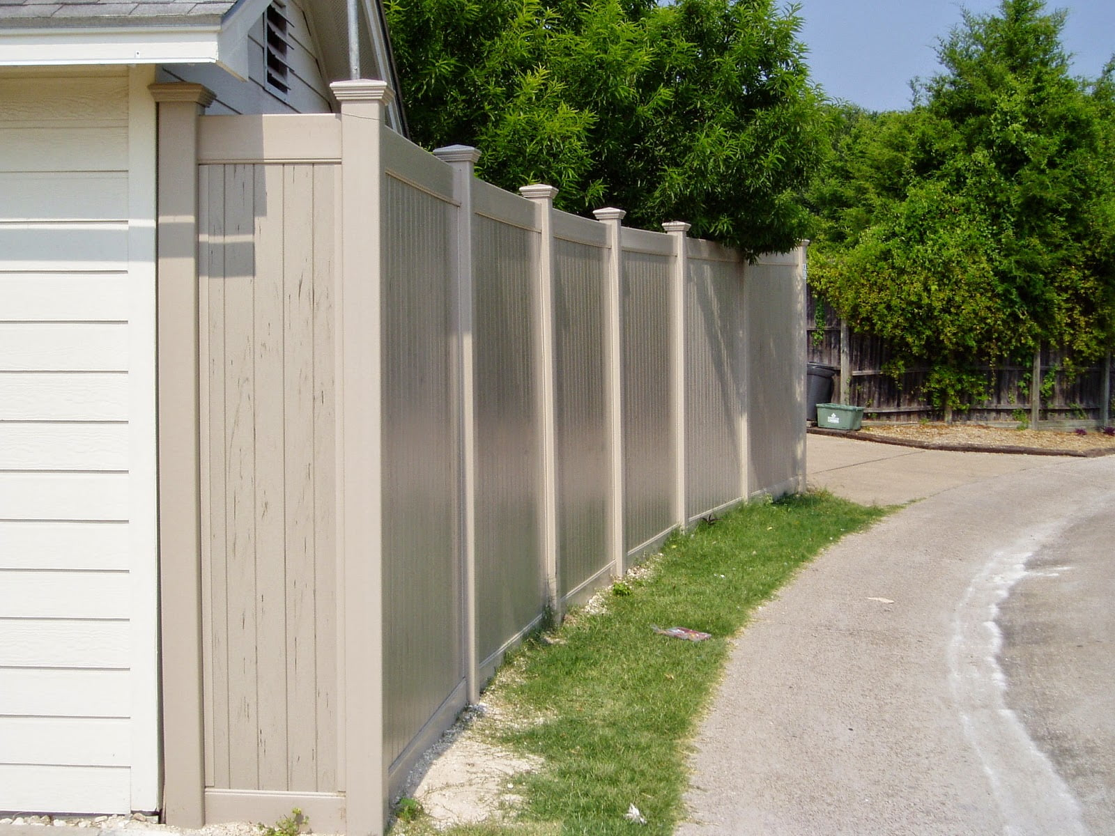 Future Outdoors Vinyl Privacy Fence